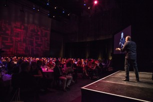 Paul Reiser on stage